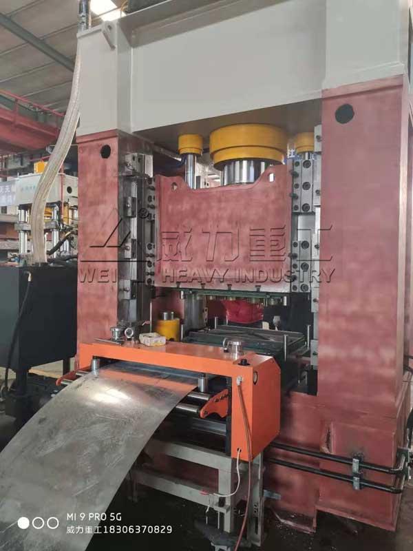 配自动送料机的315吨框架式液压机