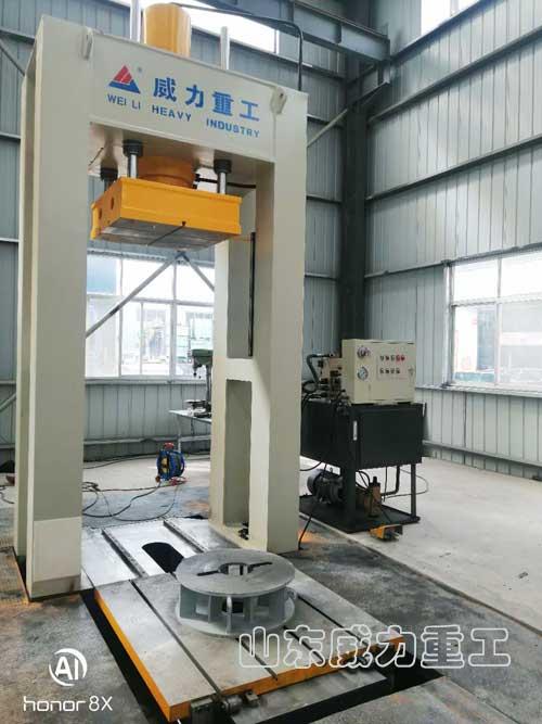 200吨龙门框架式电机轴压装机