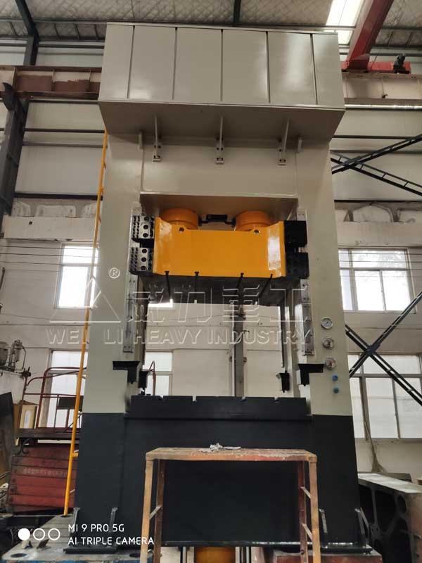 400吨高强度热压锚杆盘压力机