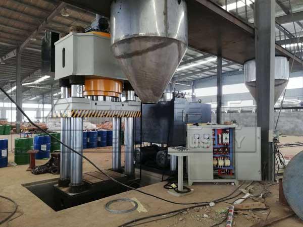630吨耐火材料成型液压机