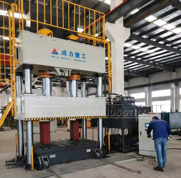 630吨复合漏粪板热压成型压力机