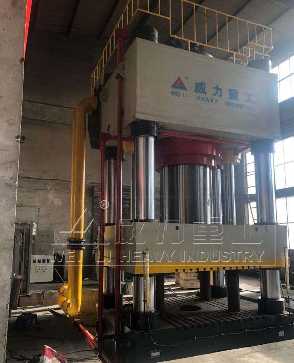 4000吨热模锻成型液压机
